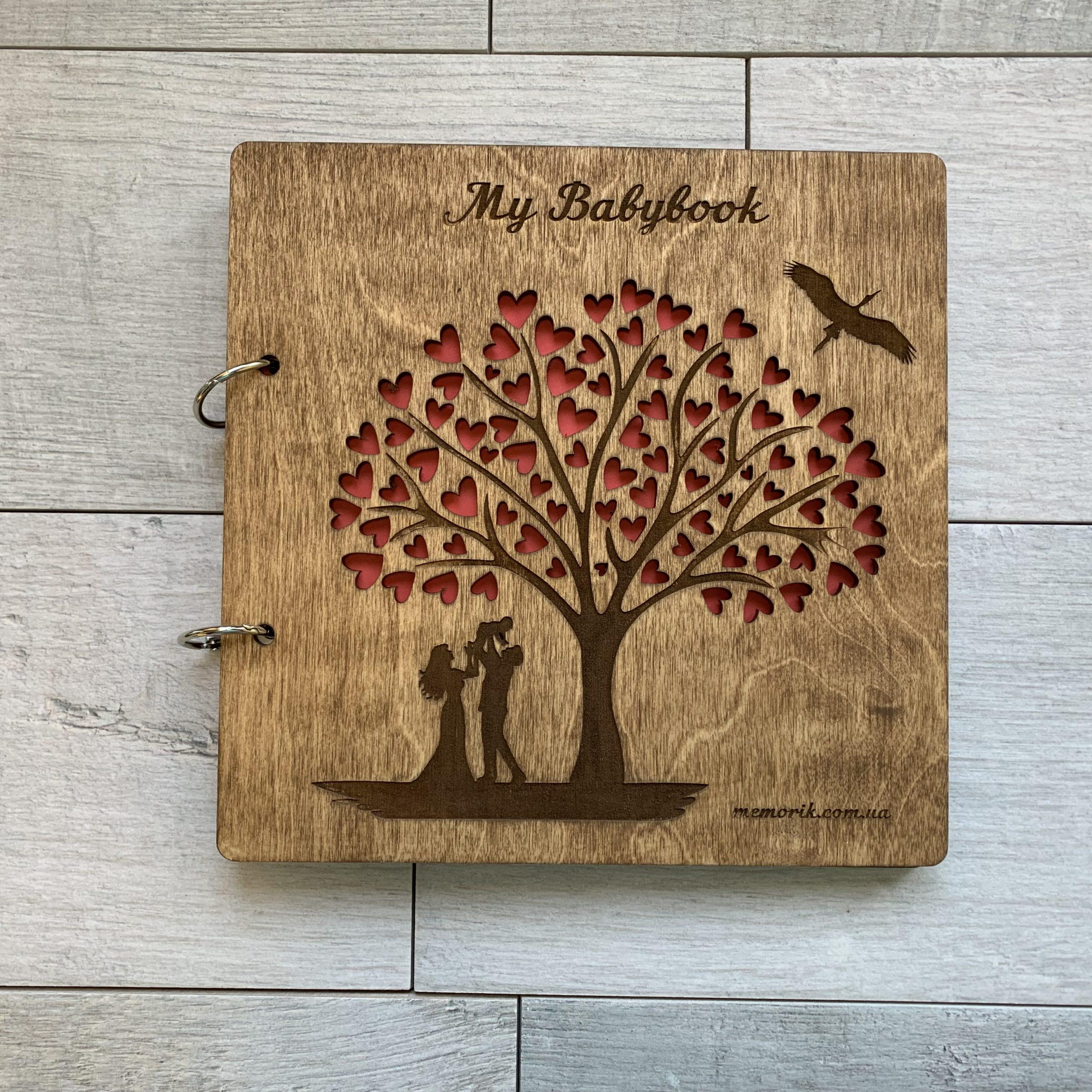 Детский альбом ''My Babybook'' в деревянной обложке на кольцах