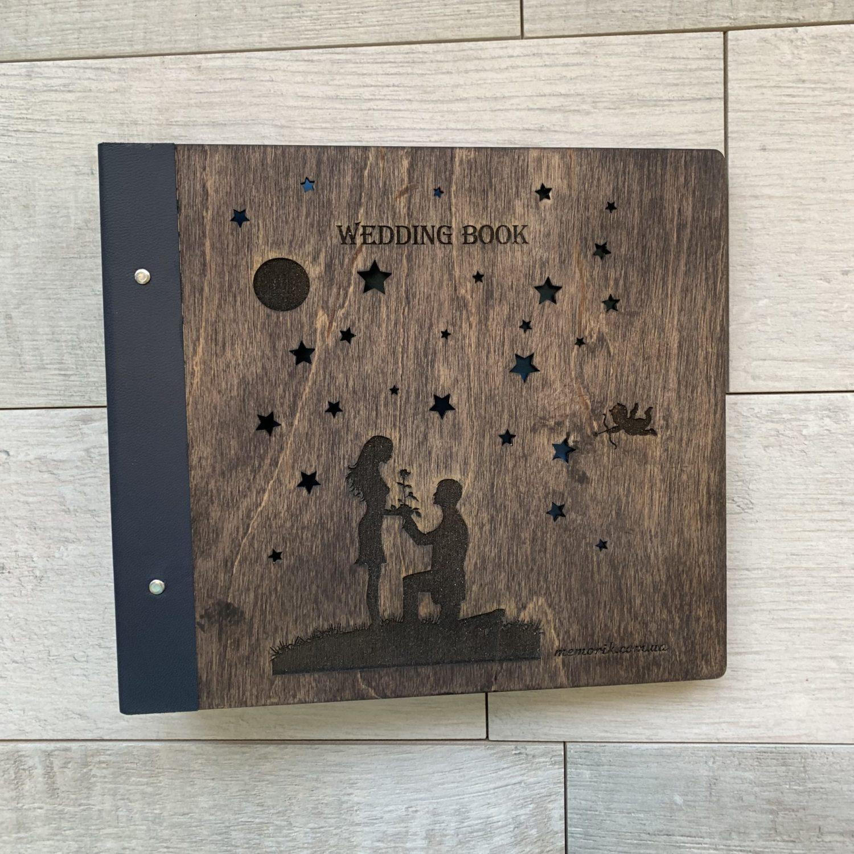 Свадебный альбом ''Wedding Book'' в деревянной обложке со вставкой из натуральной кожи